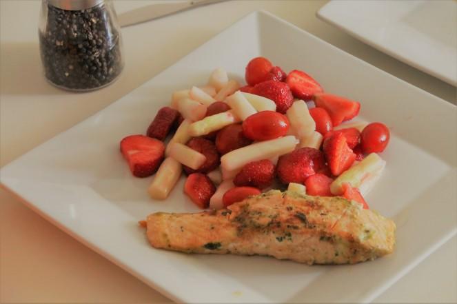 Spargel Erdbeere Lachs